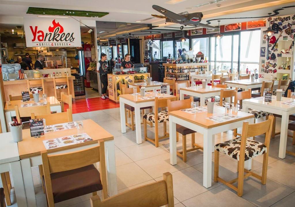 ourrestaurants_yankees_interior