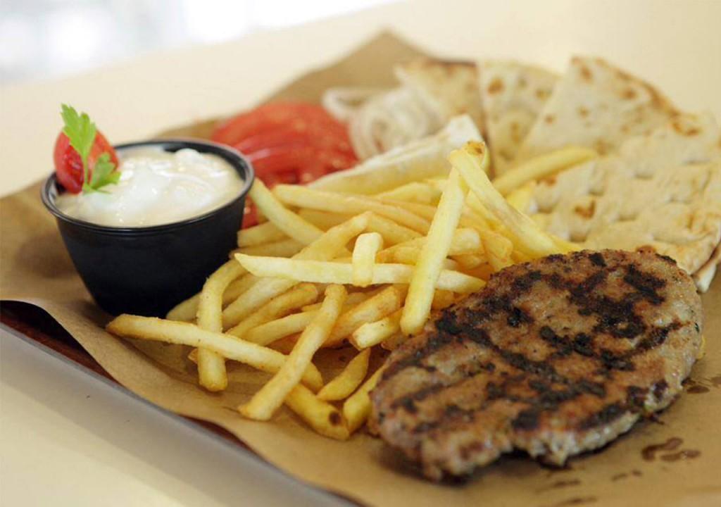 ourrestaurants_yasouvlaki_meat