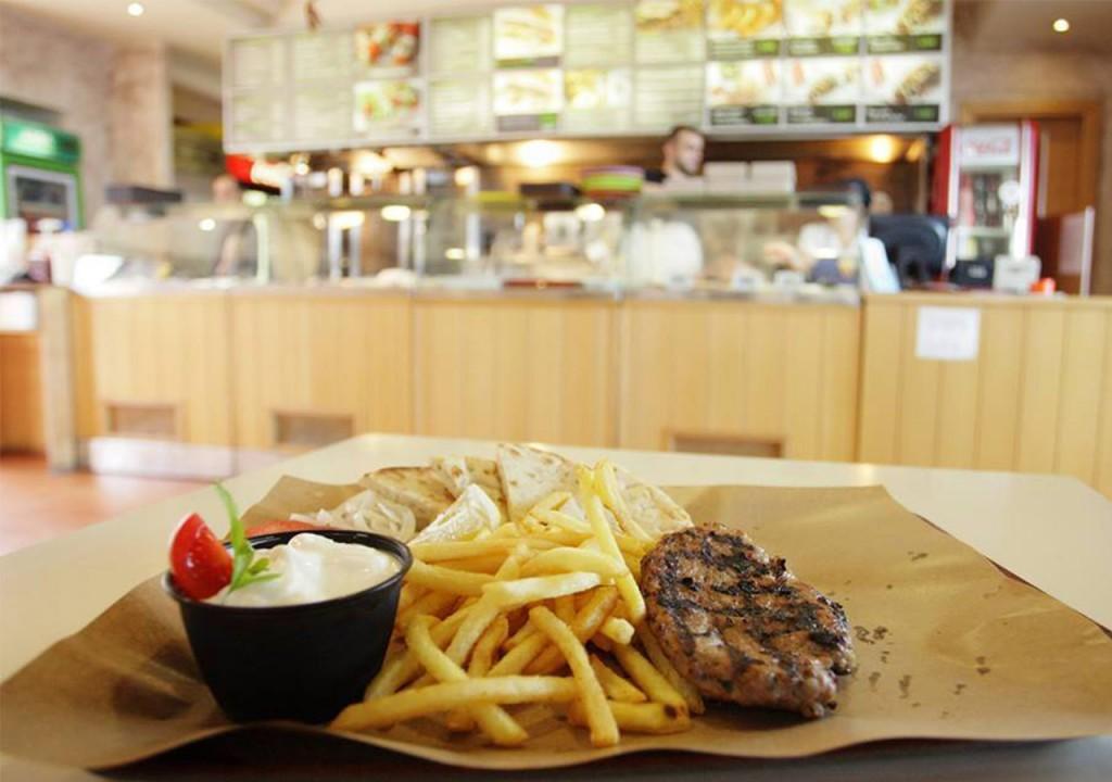 ourrestaurants_yasouvlaki_plate